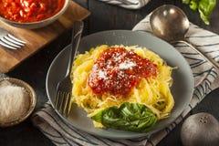 Domowej roboty Gotujący spaghetti kabaczka makaron zdjęcia royalty free