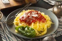 Domowej roboty Gotujący spaghetti kabaczka makaron Obrazy Royalty Free