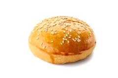 Domowej roboty hamburger babeczka na bielu Zdjęcie Stock