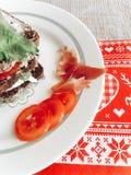 Domowej roboty kanapka z prosciutto kurczaka mozzarelli basilu tomat Fotografia Stock