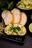 Domowej roboty kanapki z jajkami i mangowym łbem Obrazy Royalty Free