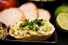 Domowej roboty kanapki z jajkami i mangowym łbem Obrazy Stock
