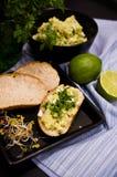 Domowej roboty kanapki z jajkami i mangowym łbem Obraz Royalty Free