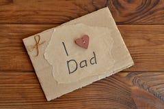 Domowej roboty kartka z pozdrowieniami na drewnianym stole Zdjęcie Stock