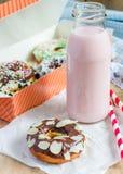 Domowej roboty kolorowi donuts Obrazy Stock