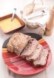 Domowej roboty meatloaf z czosnku kumberlandem zdjęcie stock