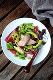 Domowej roboty piec na grillu tuńczyk sałatka, odgórny widok Obrazy Stock