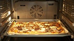 domowej roboty pizza Zdjęcie Royalty Free