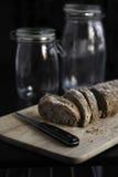 Domowej roboty pokrojony chleb Zdjęcia Royalty Free