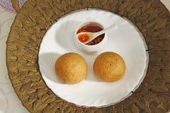Domowej roboty przekąska - kartoflani croquettes lub aloo bonda Zdjęcie Stock