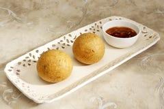 Domowej roboty przekąska - kartoflani croquettes lub aloo bonda Zdjęcie Royalty Free