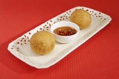 Domowej roboty przekąska - kartoflani croquettes lub aloo bonda Zdjęcia Royalty Free