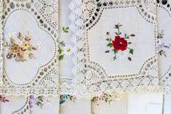 Domowej roboty roczników tablecloths w rynku otwartym Fotografia Royalty Free