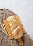 Domowej roboty rzemiosła świeży chleb fotografia royalty free