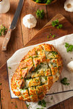 Domowej roboty Tandetnego ciągnienia W oddaleniu chleb Obrazy Royalty Free
