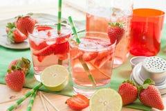 Domowej roboty truskawkowa lemoniada Fotografia Stock