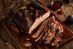 Domowej roboty Uwędzony grill wołowiny Brisket Zdjęcia Royalty Free