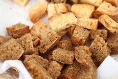 Domowej roboty zdrowy chlebowy gluten uwalnia Kolorowy chleb robić od zdrowych zboży zdrowy bezpłatny chleb, korzeniasty tła text zdjęcia stock