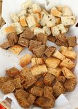 Domowej roboty zdrowy chlebowy gluten uwalnia Kolorowy chleb robić od zdrowych zboży zdrowy bezpłatny chleb, korzeniasty tła text obrazy stock