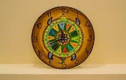 Domowej roboty zegar z oryginalnym projektem zdjęcia royalty free