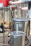 Domowy Browarniany piwny czajnik Zdjęcia Royalty Free