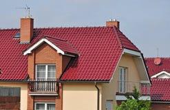 Domowy dach, nowy dekarstwo Zdjęcie Stock