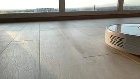 domowy m?drze Robota próżniowy czysty wykonuje automatyczny czyścić mieszkanie przy pewnym czasem zbiory