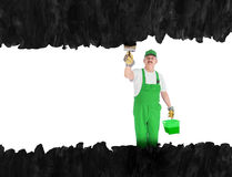 Domowy malarz zakrywa niewidzialną ścianę na czerni Fotografia Stock