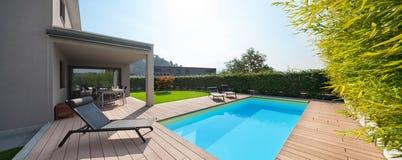 domowy nowożytny basen zdjęcie royalty free