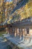 domowy stary dach pokrywać strzechą drewnianego Fotografia Stock