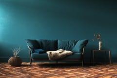 Domowy wewnętrzny egzamin próbny z zieloną kanapą, stołem i wystrojem w żywym pokoju, zdjęcie royalty free