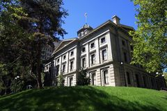 domstolsbyggnad banbrytande portland arkivbild