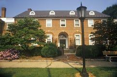Domstolsbyggnad för röd tegelsten i Fairfax County, VA Royaltyfria Bilder