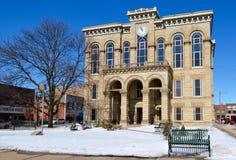 Domstolsbyggnad i snö Fotografering för Bildbyråer
