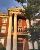 Domstolsbyggnad på det fyrkantiga centret Arkivfoto