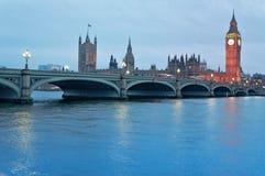 Domy Brytyjski parlament w Londyn Zdjęcia Stock