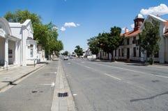 Domy i drzewa w Graaff-Reinet, Bezpłatny stan, Południowa Afryka Obrazy Royalty Free