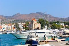 Domy i jachty Grecja wyspa Zdjęcia Royalty Free