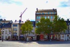 Domy na miejscu Guillaume II w Luksemburg mieście, Luksemburg fotografia stock