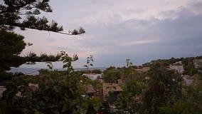 Domy na skłonach wzgórza, wille i dwory, Hiszpańszczyzny wyrzucać na brzeg w Costa d ` en Blanes Mallorca zbiory wideo