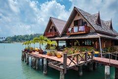 Domy na stilts w wiosce rybackiej uderzenie Bao, Tajlandzkiej Zdjęcie Stock