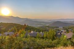 Domy na wzgórzu w Parkowym mieście Utah przy zmierzchem fotografia stock