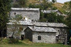 Domy w kamienia i bielu marmuru kamieniach Garfagnana, Campocatin obraz royalty free