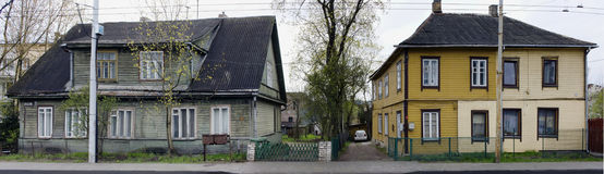 Domy z koszowymi okno Obrazy Stock