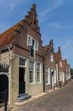 Domy z tradycyjnymi holenderskimi kroków szczytami w Monnickendam Obrazy Stock