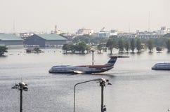 Don Muang Airport à Bangkok était sous-marin Image stock
