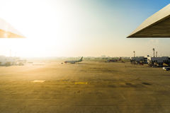 Don Muang International Airport Parkerenvliegtuigen bij luchthaven du Stock Afbeeldingen