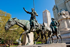 Don Quijote, Sancho Panza y Cervantes Foto de archivo libre de regalías