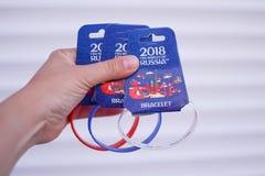 Don Rosja 06 16 2018 Teren fan Ręka z bransoletkami w kolorze flaga Rosja Fotografia Royalty Free
