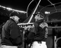 Don Zimmer y Bobby Valentine foto de archivo